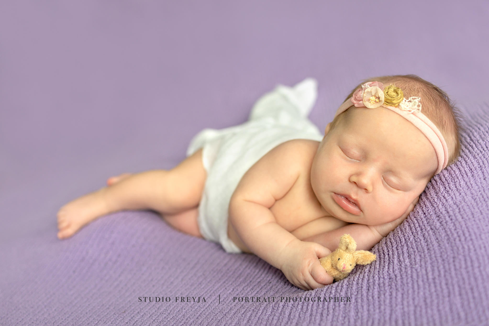Vivan Newborn Session Copyright Studio Freyja-86_1.jpg