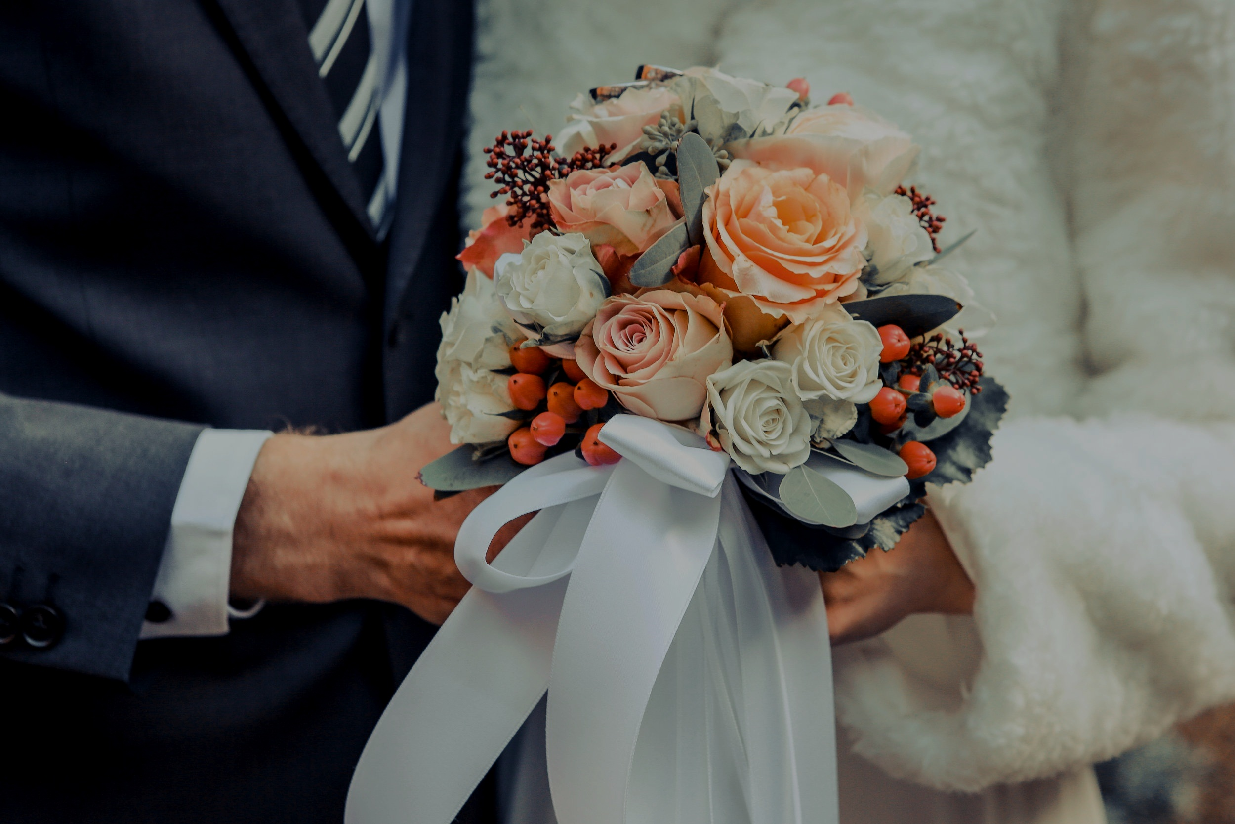 BRIDES & GROOMS -