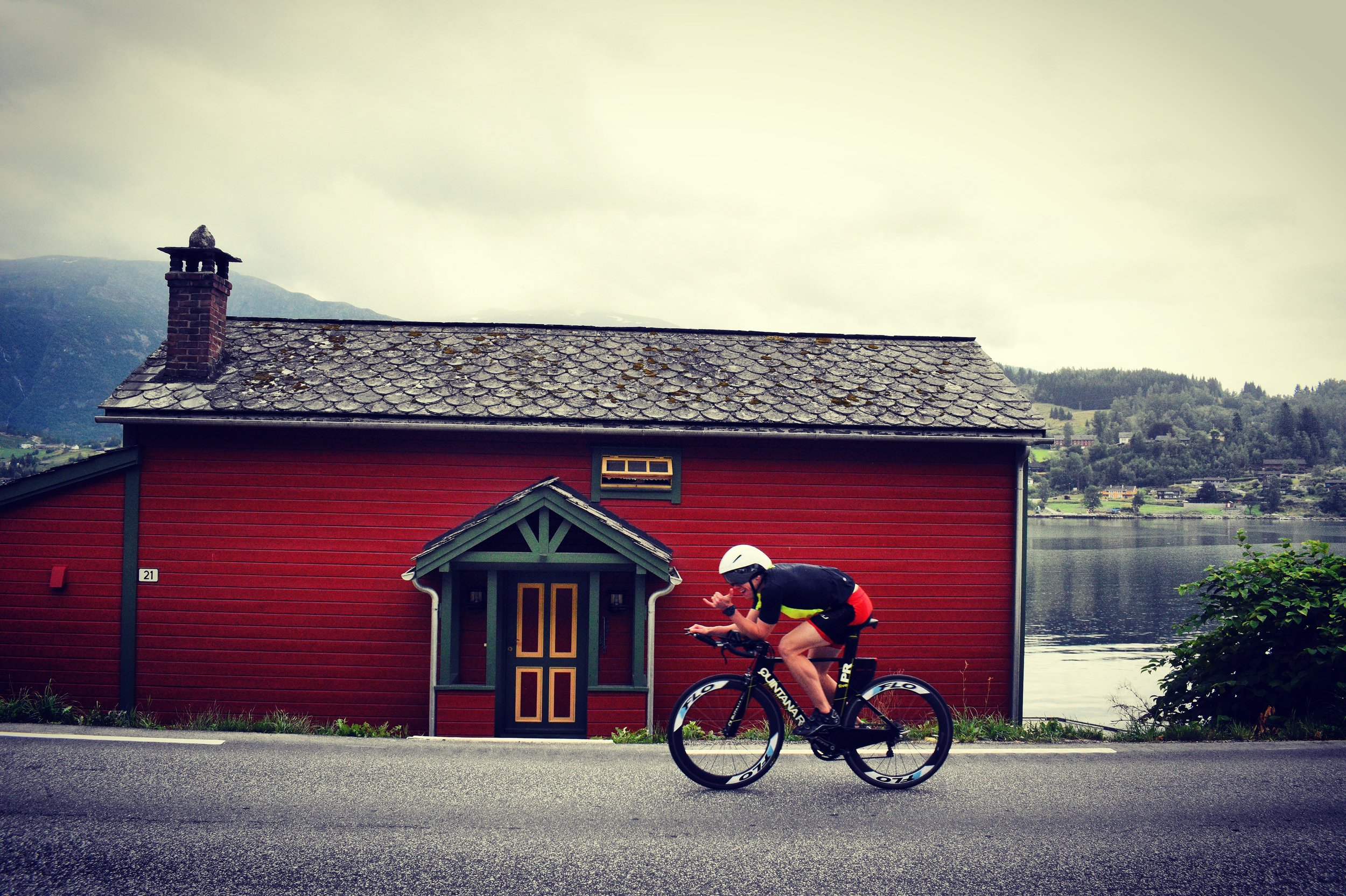Pre-race shakeout in Ulvik
