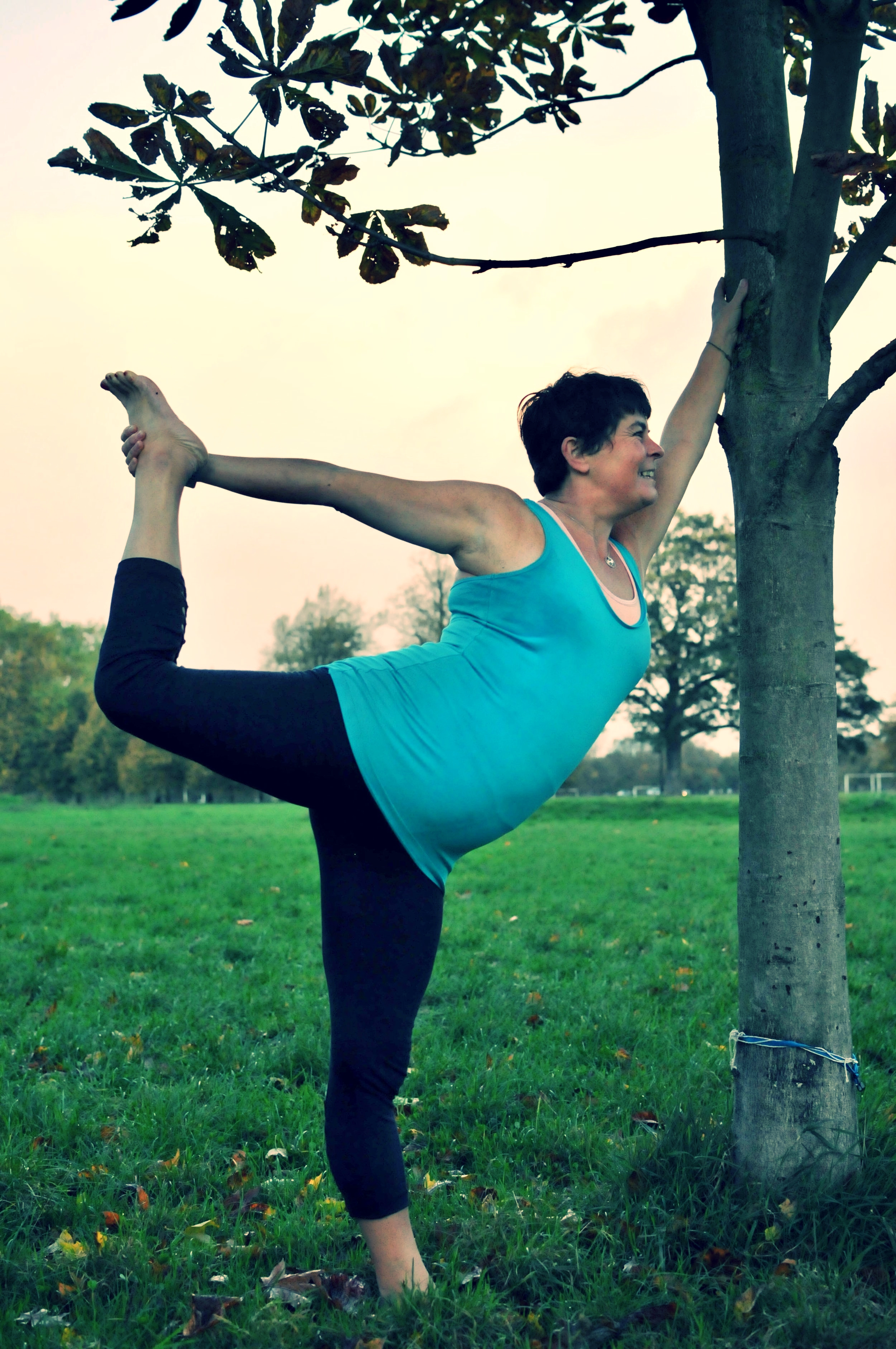 Natarajasana on Clapham Common at dawn (luckily no need to get up early to see the sunrise at the moment!)