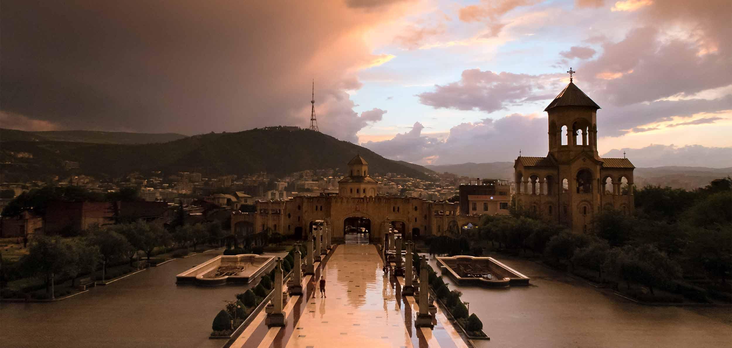 Самеба-Тбилиси-Отдых-Туры-Грузия-NAMERANI.jpg