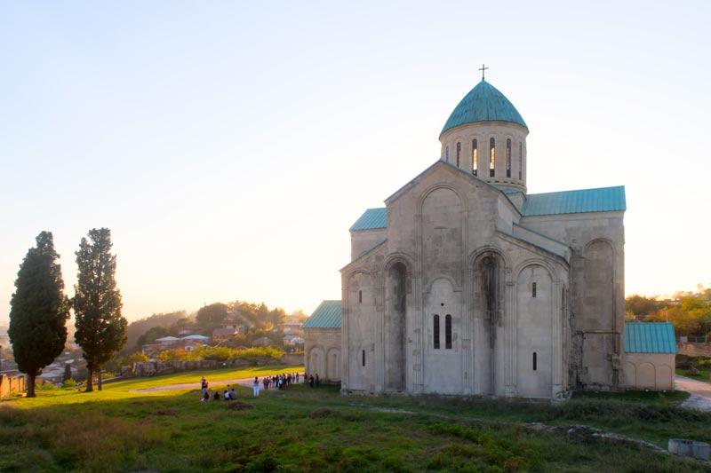 Храм Баграта - Один из самых больших и исторически значимыххрамов в Грузии.