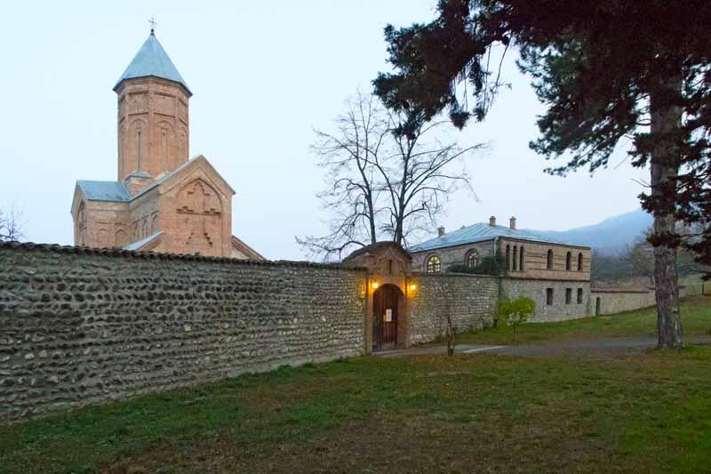Новая Шуамта - Именно здесь похоронен выдающийся поэт и просветительАлександр Чавчавадзе!