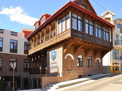Light House Old City 3* - Уютный отель 3*, расположенный в 3 минутах ходьбы от кафедрального собора Самебаи в 500 м от станции метро