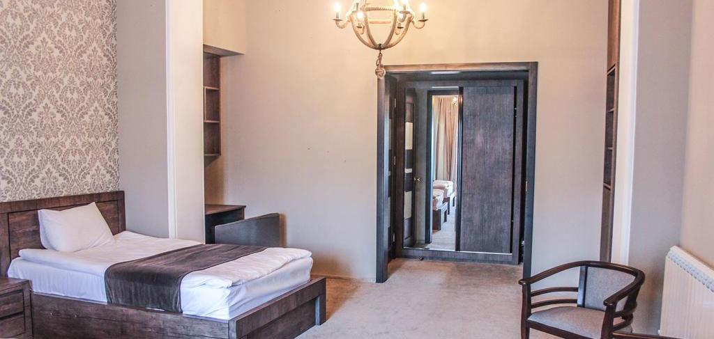 old-tbilisi-hotel-room-5-NAMERANI.jpg