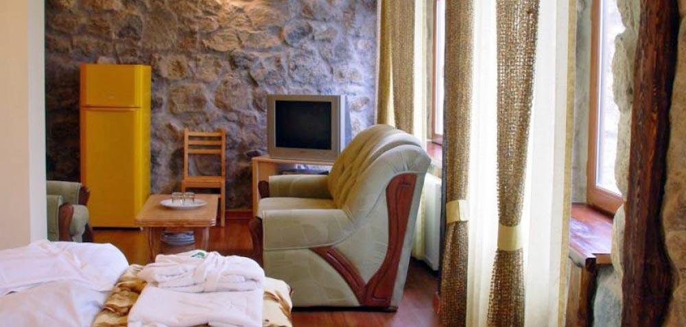 borjomis-kheoba-hotel-room-NAMERANI.jpg
