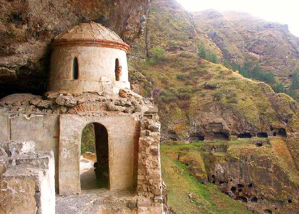 Древняя красота - Прогуляйся по городу XII века!