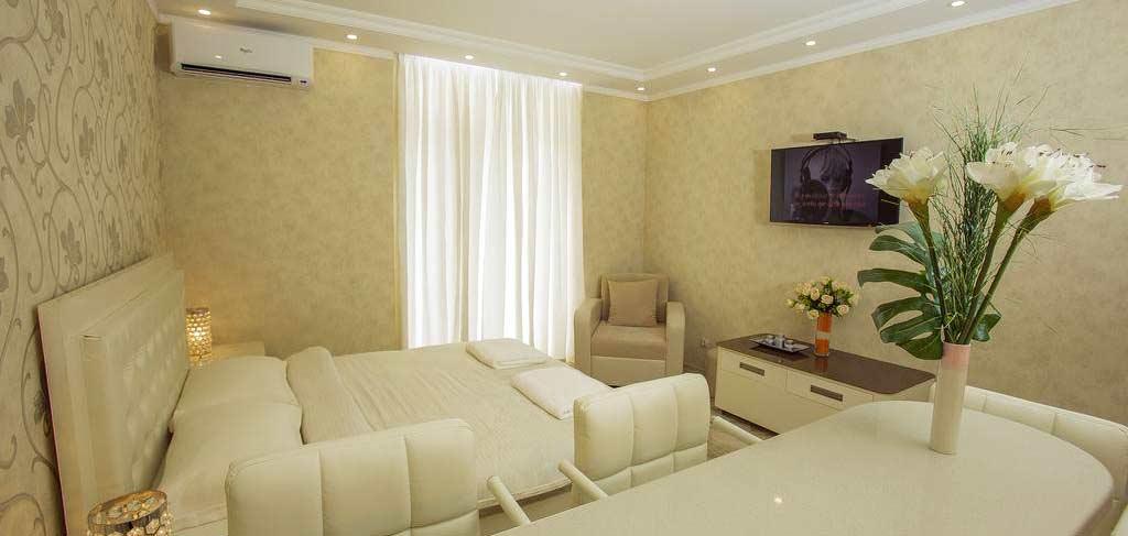 batumi-orient-lux-room-13-hotel-NAMERANI.jpg