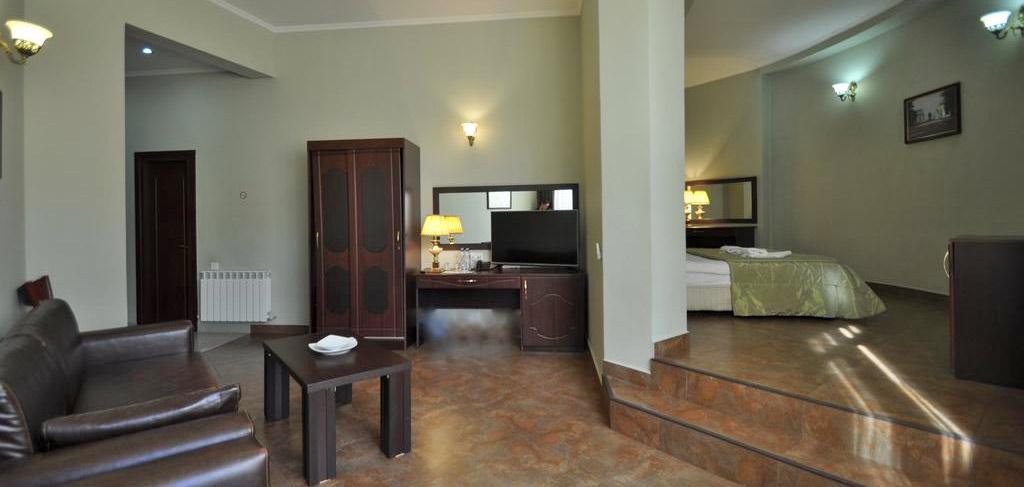 batumi-boutique-hotel-o-galorge-2-room-NAMERANI.jpg