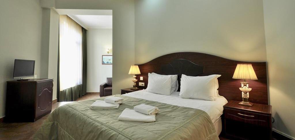 batumi-boutique-hotel-o-galorge-3-room-NAMERANI.jpg