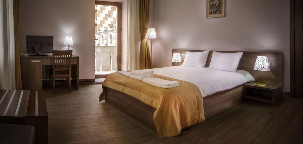 batumi-boutique-hotel-o-galorge-6-room-NAMERANI.jpg