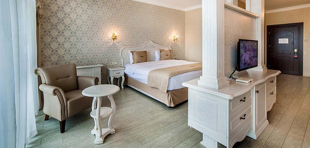 Батуми-The-Admiral-Hotel-room-3-NAMERANI.jpg