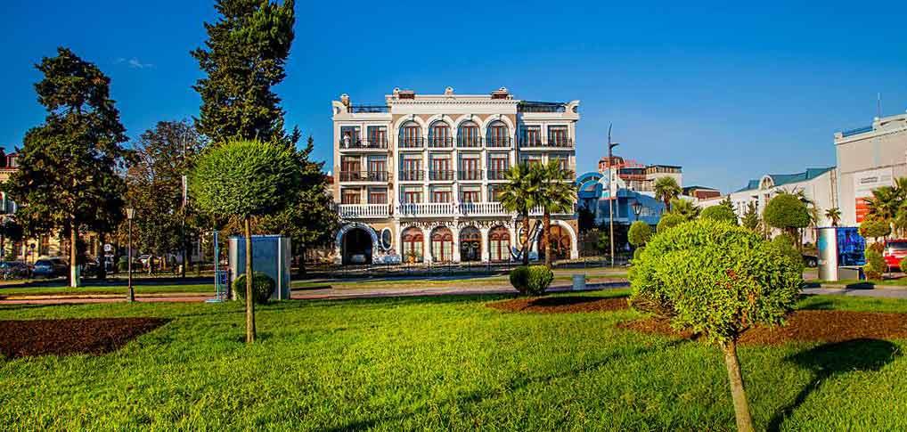Батуми-The-Admiral-Hotel-outside-5-NAMERANI.jpg