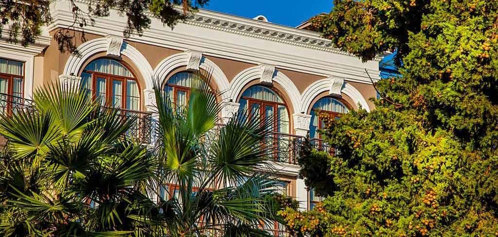 Батуми-The-Admiral-Hotel-outside-6-NAMERANI.jpg