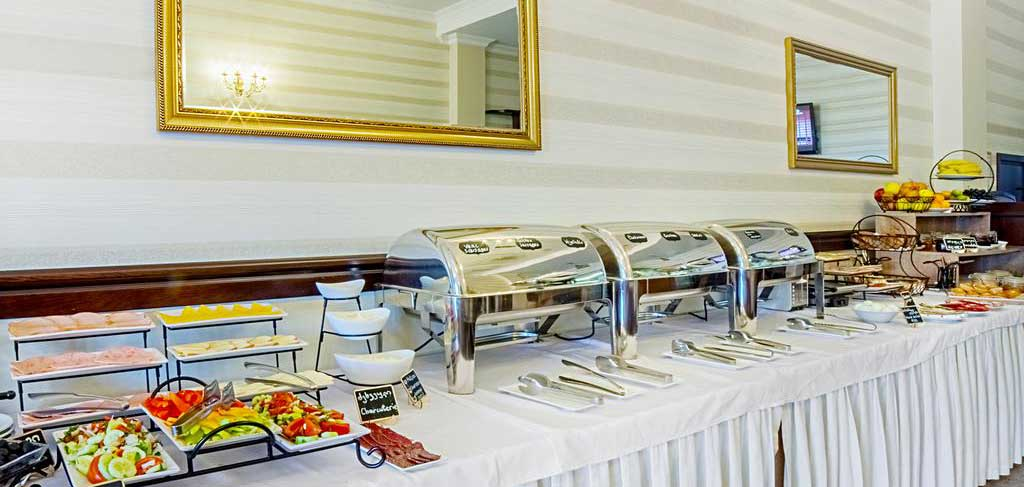 Батуми-The-Admiral-Hotel-breakfast-2-NAMERANI.jpg