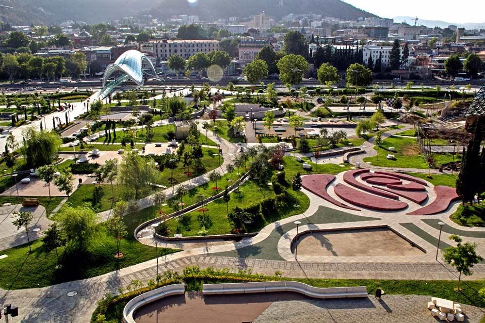 Обзорная-экскурсия-по-Тбилиси-парк-Рике-NAMERANI.jpg