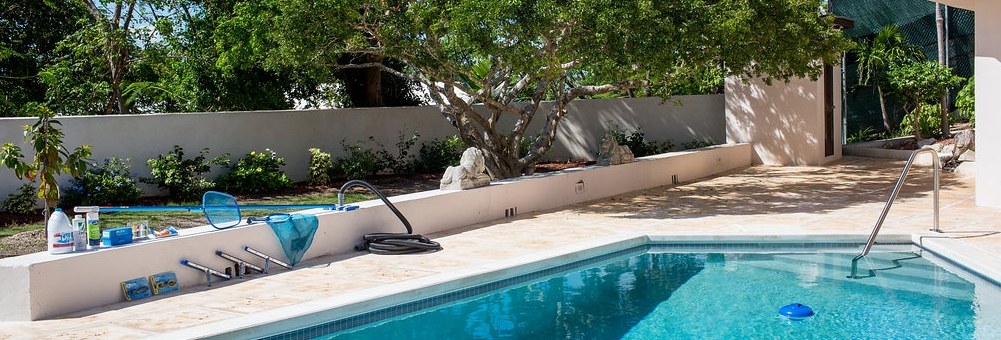 Blanco Pool Accessories