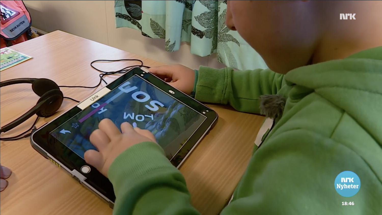 Ulrik spelar Poio i skolan.