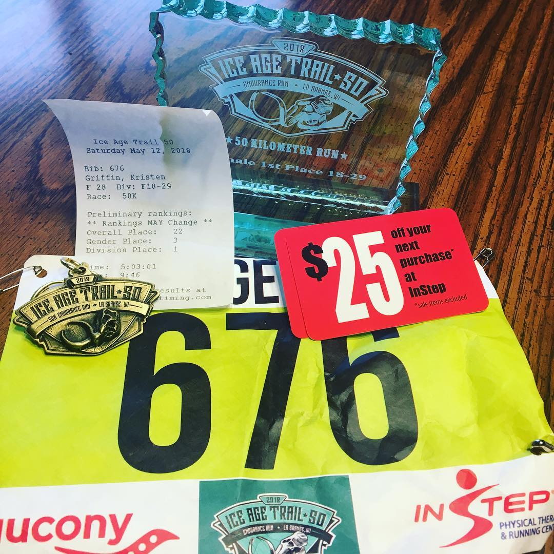 Bib, 50k key chain, plaque and a gift card!