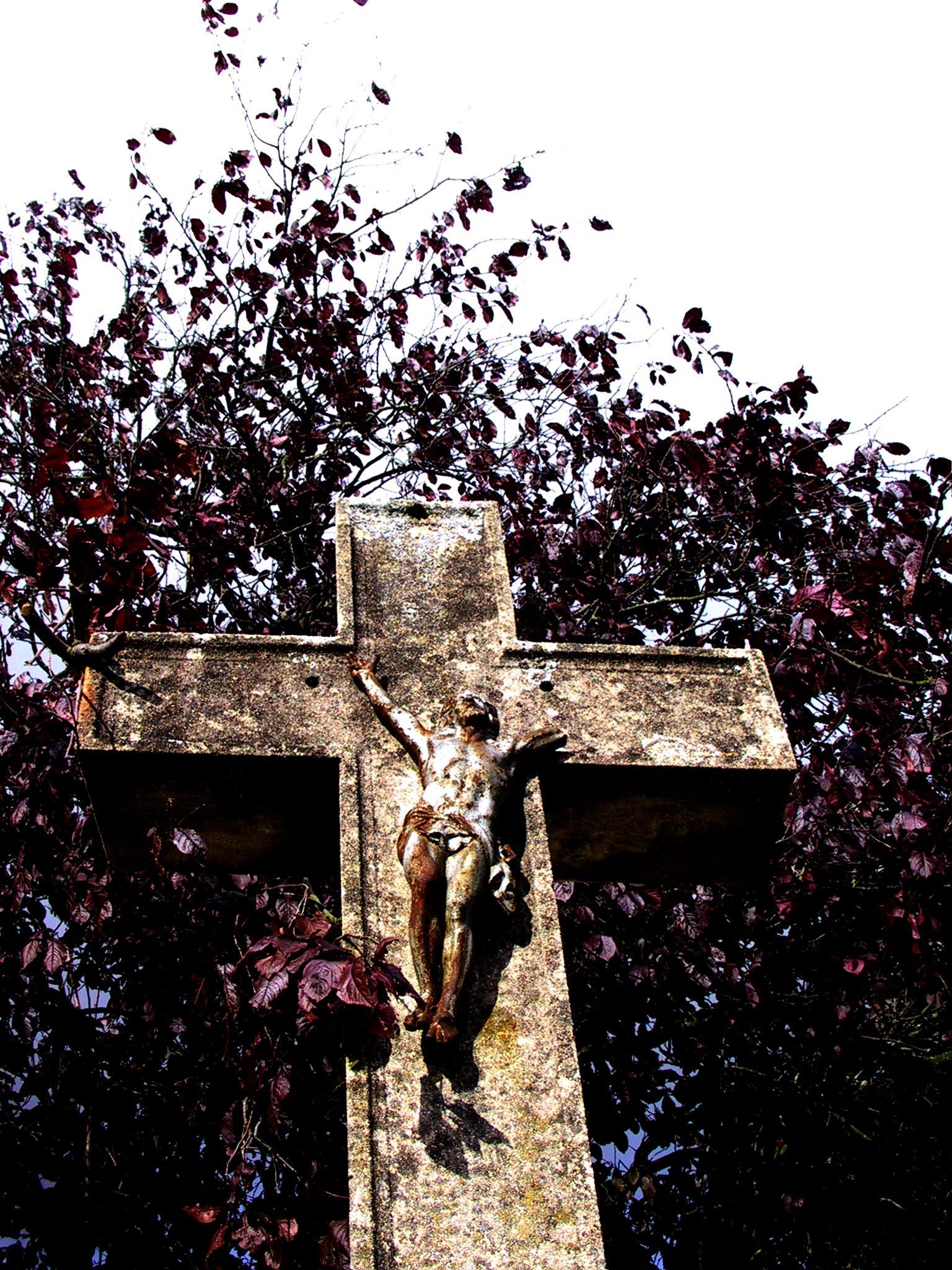 Croix et calvaires jalonnent les rues et les chemins...