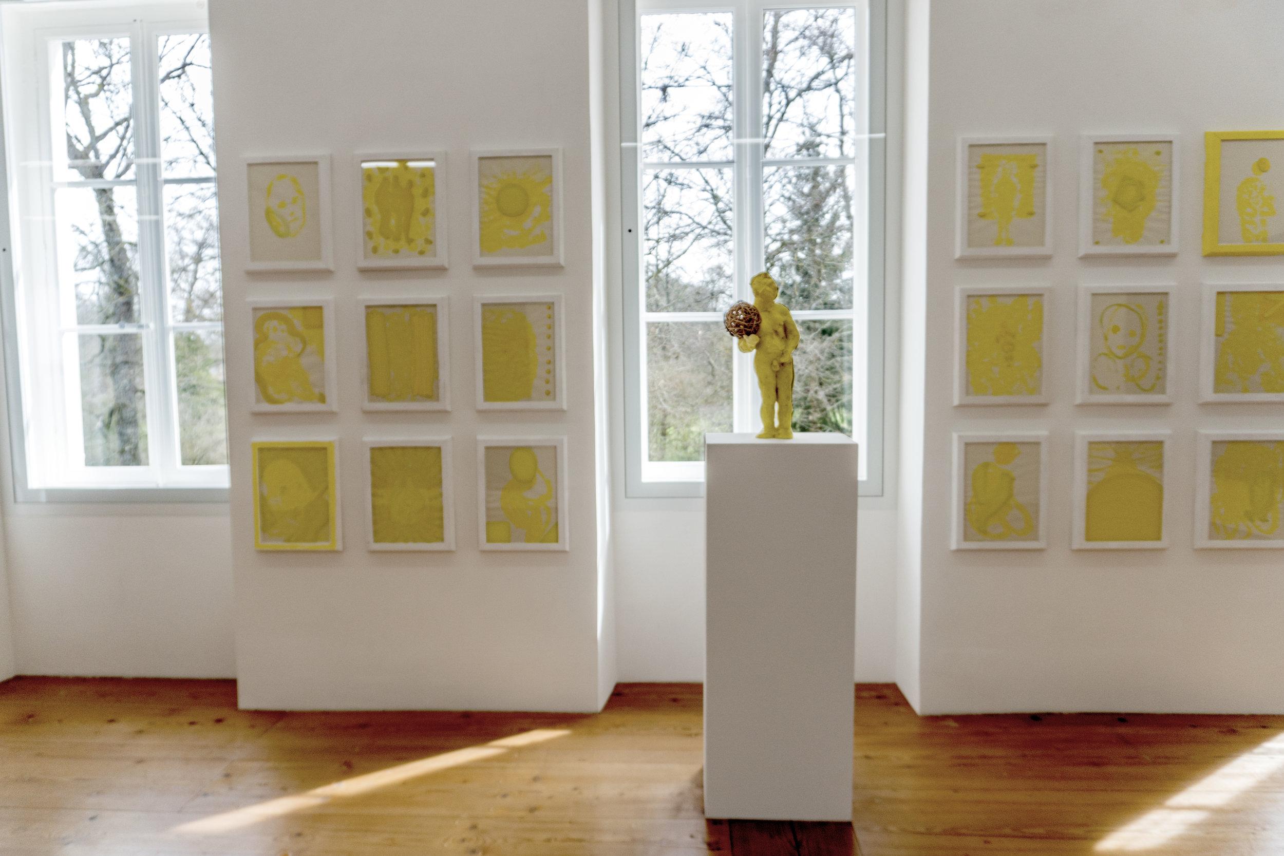 """Gianni Dessi : """" Segni e disegni """" (2004)  and (at the forefront, on a stand)  """" Tutto tondo """" (2004)"""