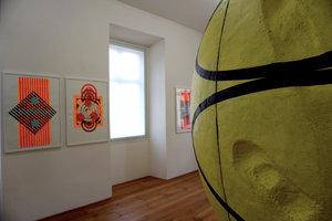 "Heidi Gerullis :  untitled , 2015 (In the back) -  Gianni Dessi : "" Tutto tondo "" 2007-2010 (In foreground)"