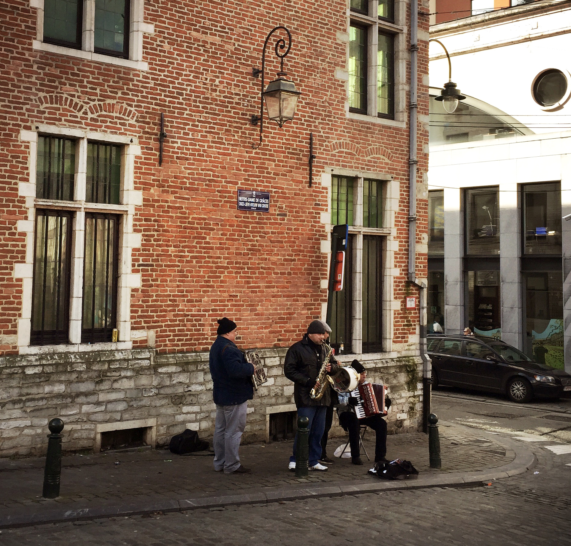 Bruxelles, musiciens de rue.jpg
