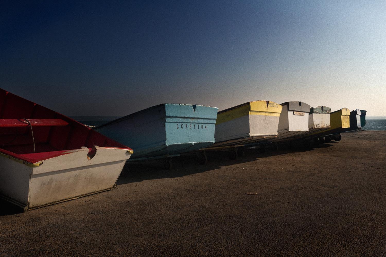 Barques sur le quai en Bretagne
