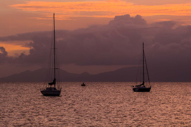 Voiliers au mouillage à Marie-Galante en Guadeloupe