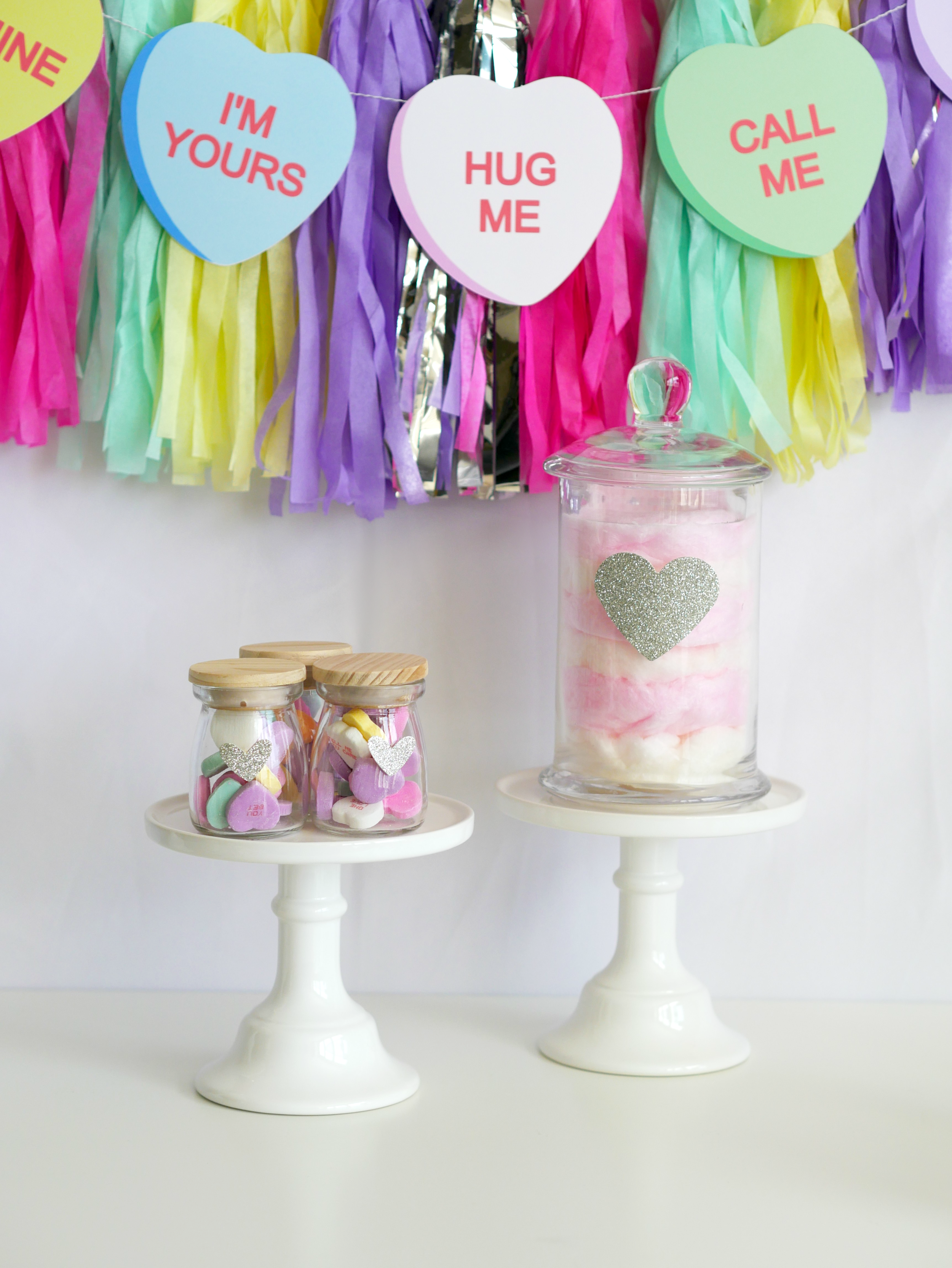 valentine's party decor / valentine's centerpiece ideas / valentine's dessert table / Cotton Candy Centerpiece / Conversation hearts party idea / Valentine's Party Idea for kids /Styled by Carolina from MINT Event Design / www.minteventdesign.com