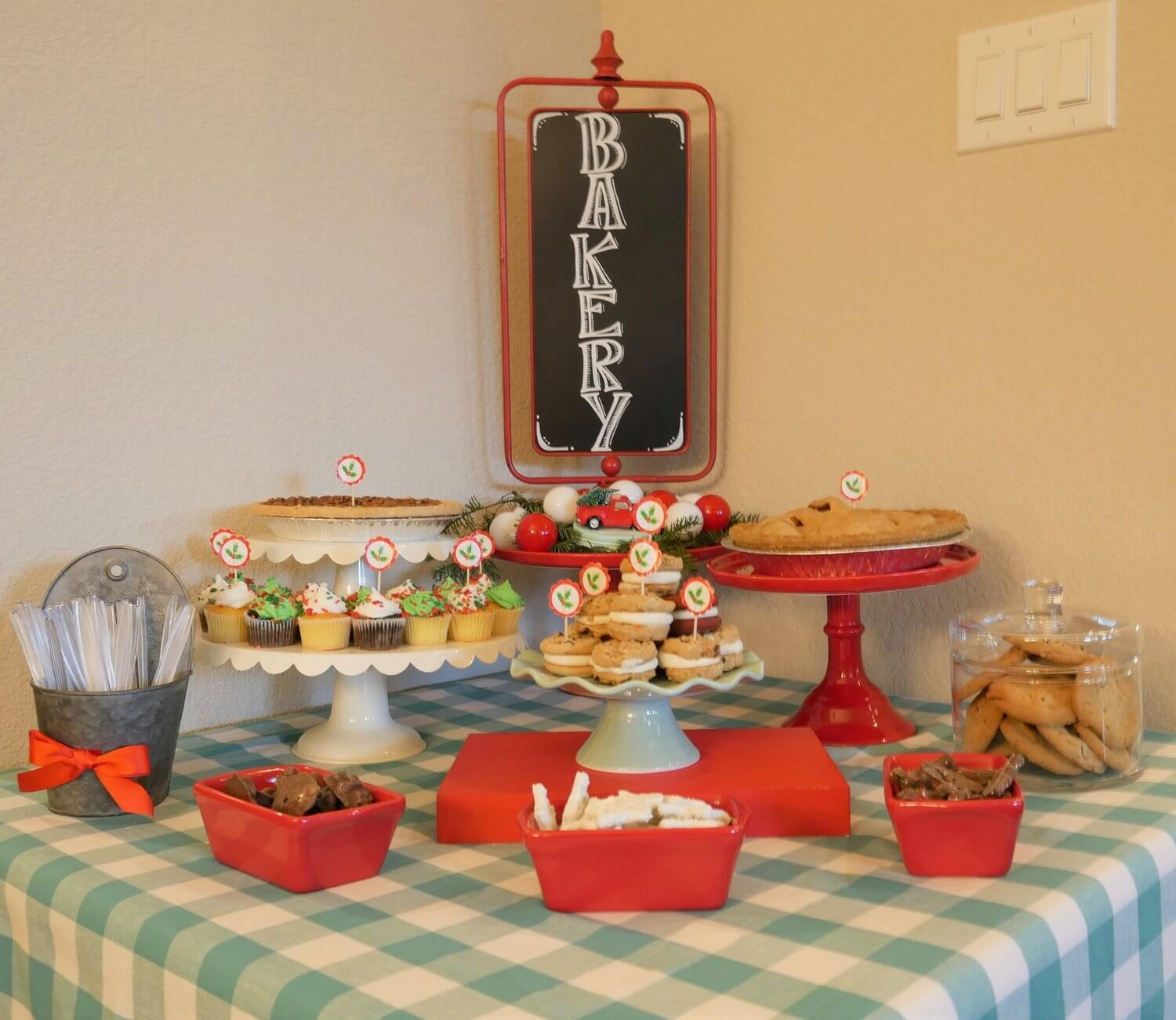 Vintage Dessert Table for your Christmas party