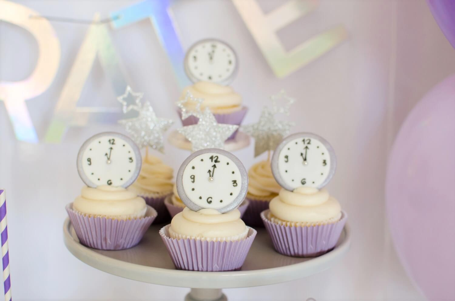 New Years dessert ideas include these awesome cupcakes and a cute toppers