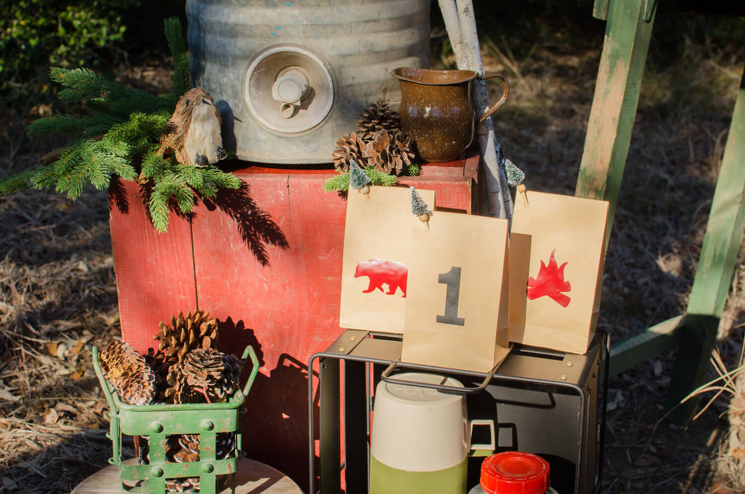 Lumberjack party decor / lumberjack party ideas / goodie bags for a lumberjack party / winter party ideas for boys / styled by Carolina from MINT Event Design / www.minteventdesign.com