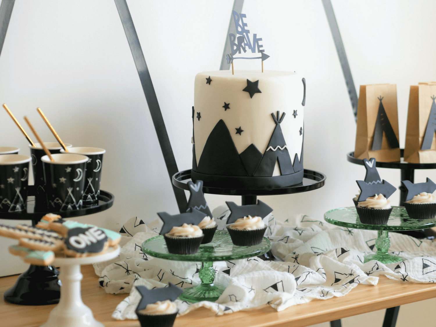 Be Brave First birthday party idea / Tribal First Birthday party ideas / Twins party idea / Tribal dessert table idea / Be brave dessert table idea / Be Brave party decor / Tribal party decor / Styled by Carolina from MINT Event Design / www.minteventdesign.com