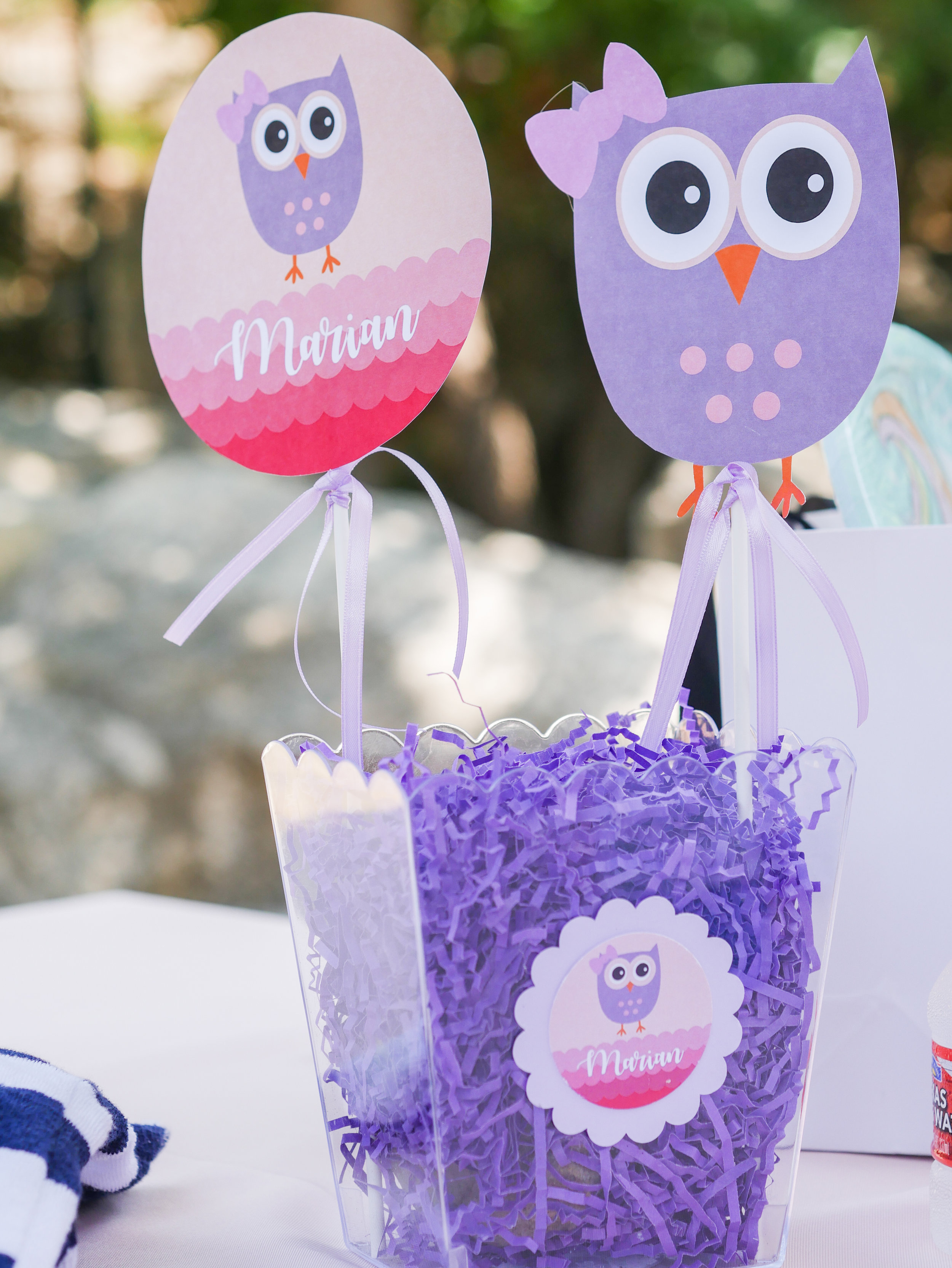 These easy to make owl party centerpieces will add a pop of color to your tables. Full details to DIY these Owl Centerpieces can be found on www.minteventdesign.com - it's just one of the many creative party ideas in the Owl First Birthday Party by party stylist Mint Event Design in Austin, Texas. #birthdayparty #partyideas #partyinspiration #owl #centerpieces #firstbirthday