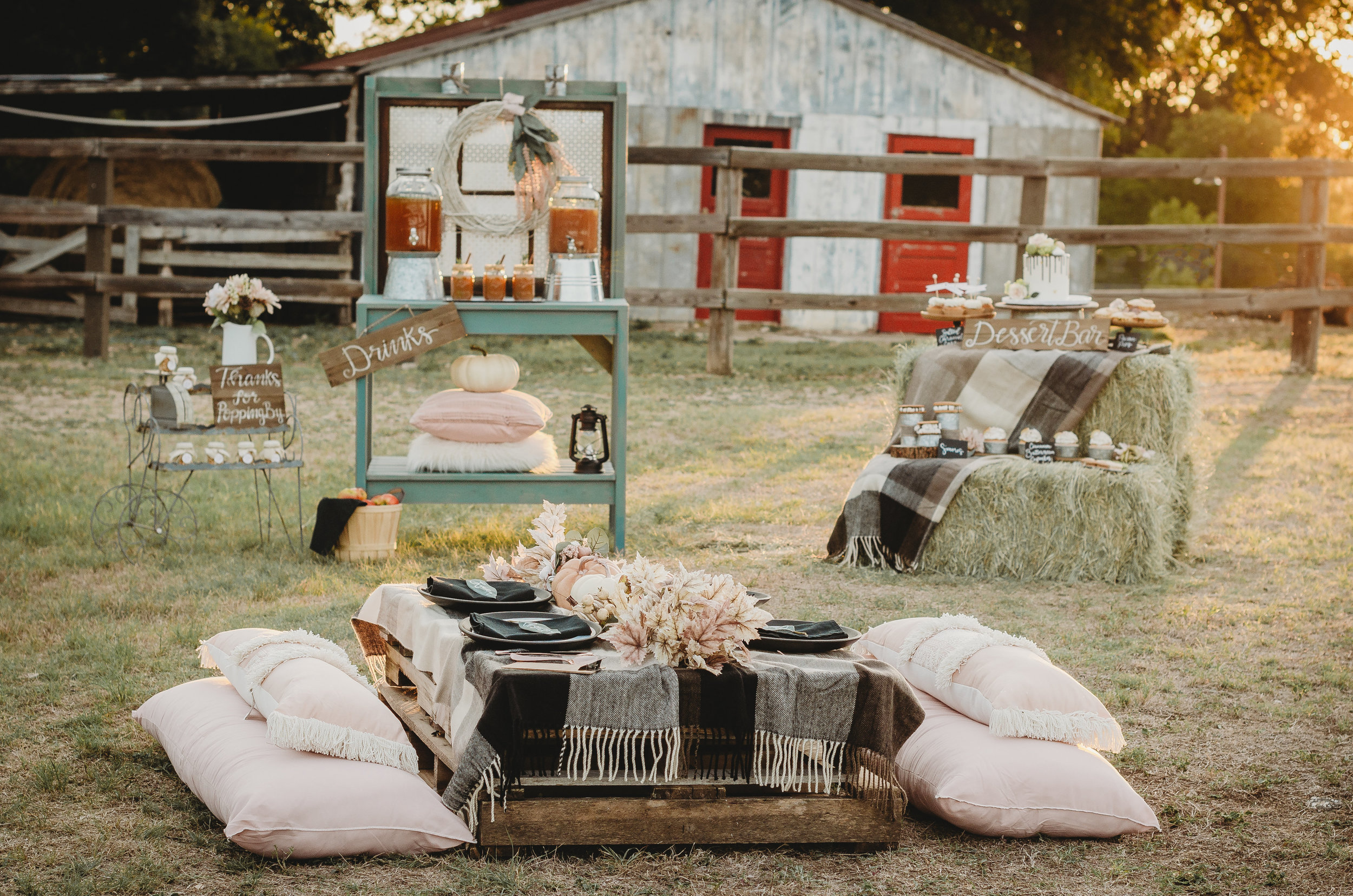 All the details on how to plan a Falling in Love themed bridal shower with a rustic touch. Click to see the entire fall bridal shower that you will fall in love with by party stylist Mint Event Design. #bridalshowers #bridalshowerideas #rusticwedding #rusticbridalshower #bridalshowerdecor #farmwedding