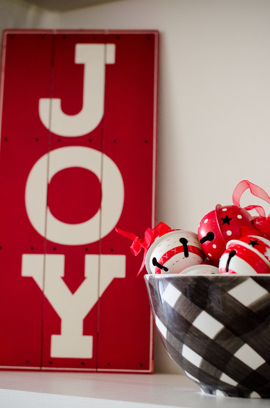 Love the buffalo check and red theme of this Christmas party! See more holiday party inspiration from Austin based party stylist Mint Event Design at www.minteventdesign.com #holidayparty #holidays #partyideas #christmasparty #holidaypartyideas #buffaloplaid #woodensign