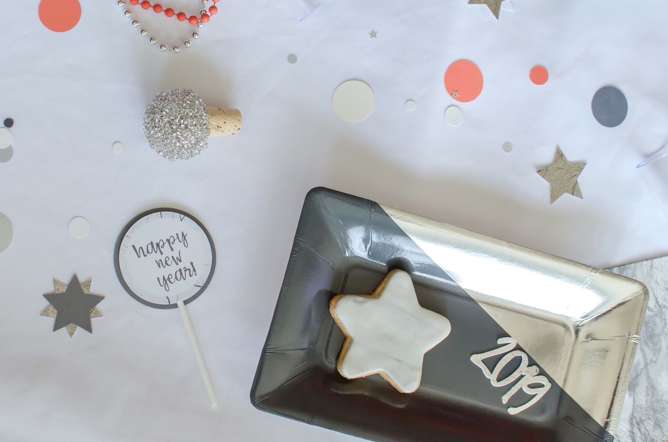 New Years Cupcake Toppers and Pretty Plates