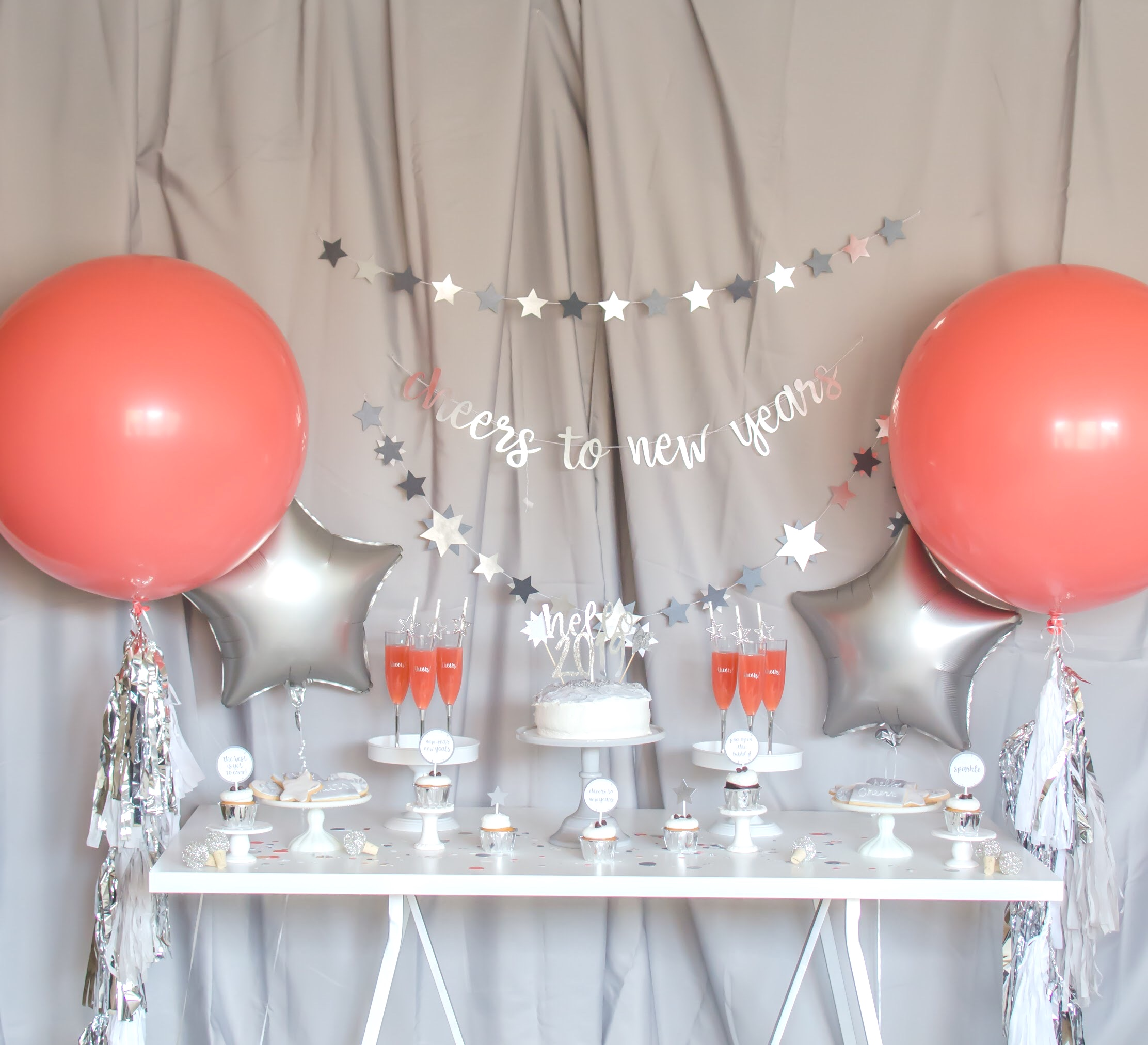 Love this Coral New Year's Party from Mint Event Design, try a new color scheme for a New Year!