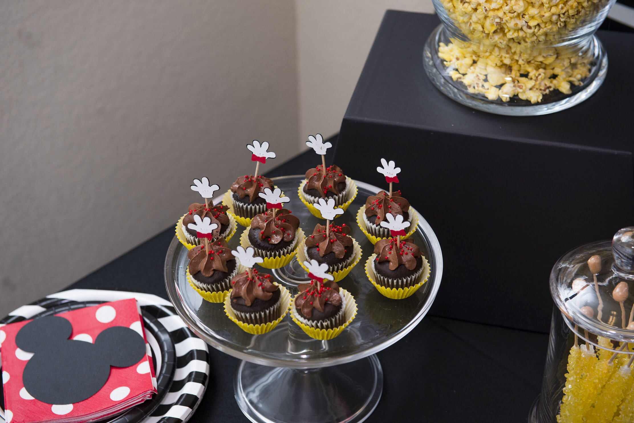 Modern take on a Mickey Mouse themed birthday party from Mint Event Design