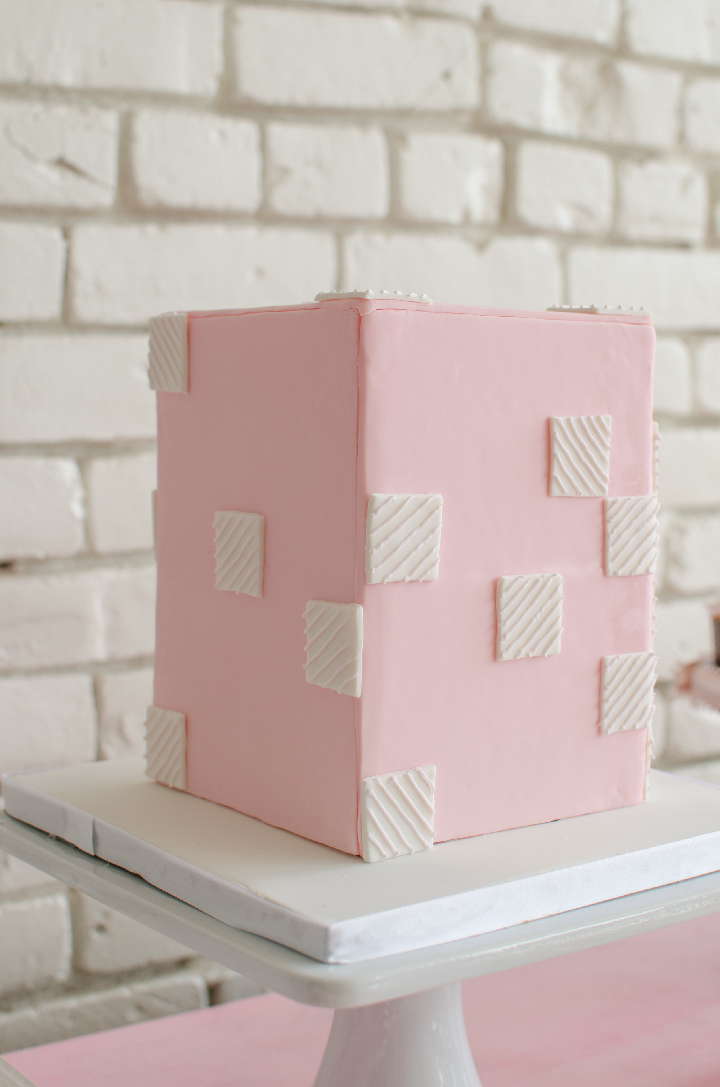 Cute modern and geometric cake idea! Perfectly pink without being too girly!