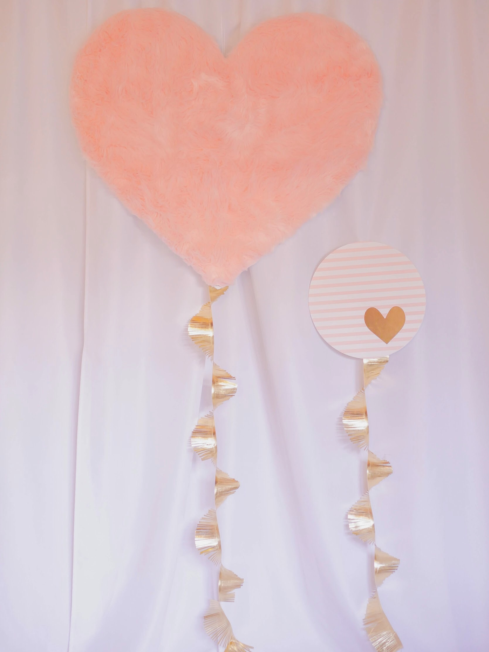 Heart shaped balloon backdrop DIT from Mint Event Design