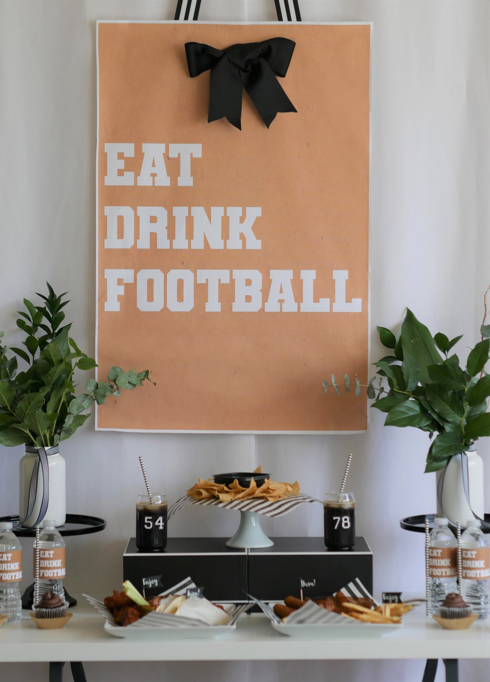 Game Day Glam party idea and free printable from Mint Event Design