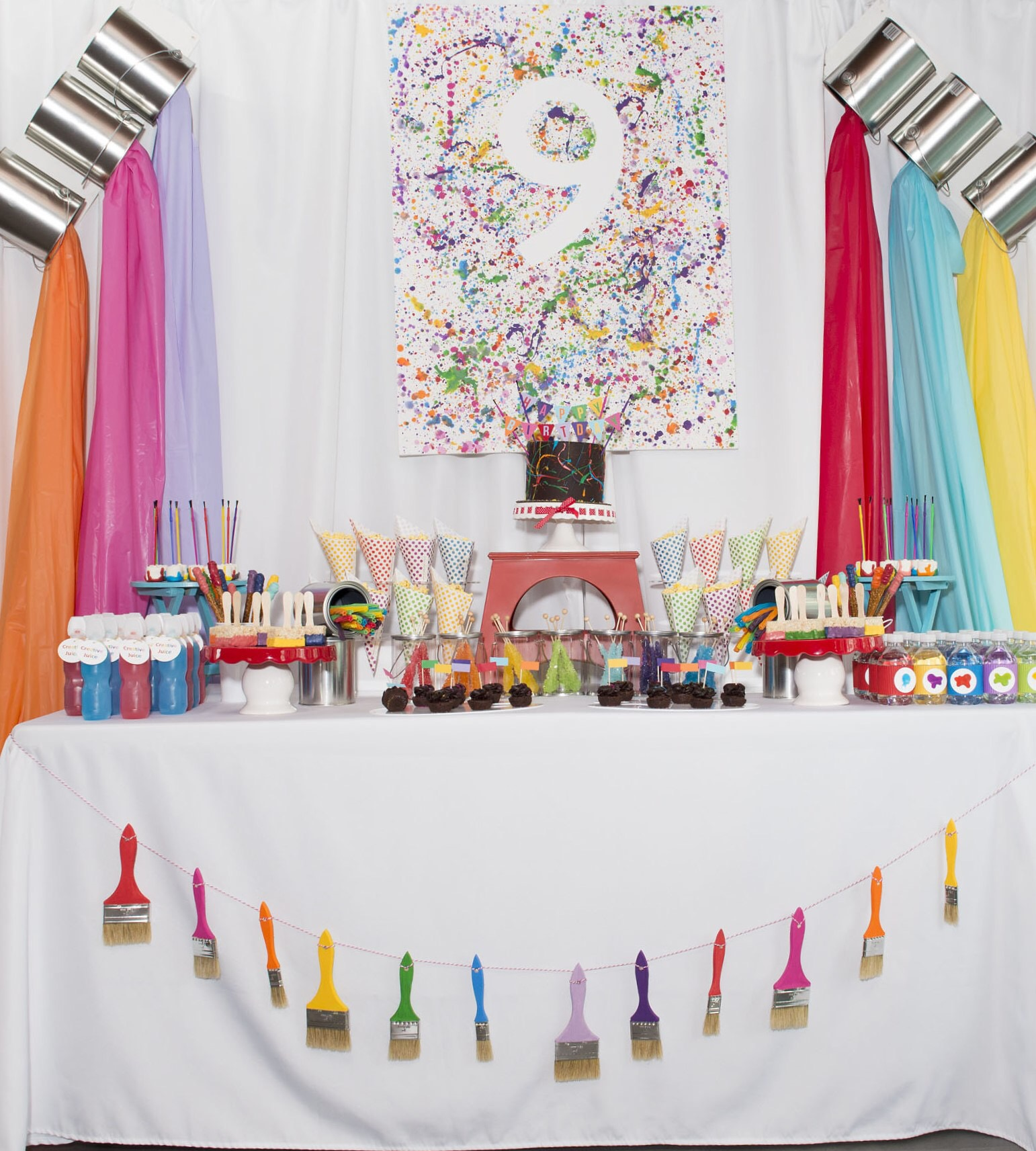 Perfectly colorful Little Artists Birthday party ideas for kids. Find out how to go all out with a rainbow colored party at a local art studio. Party styling by Mint Event Design www.minteventdesign.com #kidsparty #kidspartyideas #birthdaypartyideas #artparty #rainbowparty