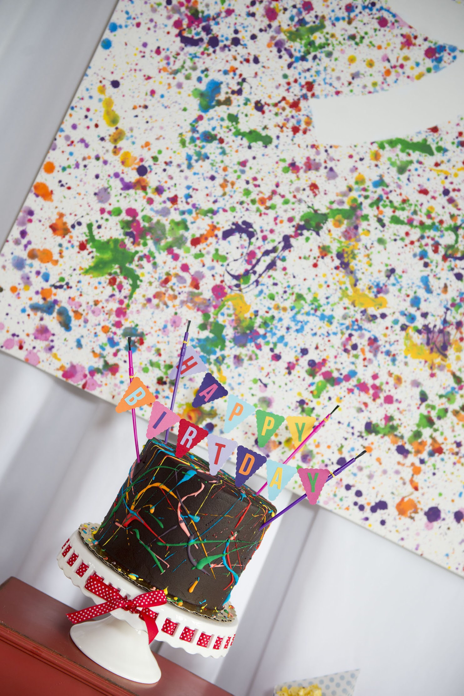 Think outside the box with your art party birthday cake - here's a chocolate brownie cake instead of a traditional white birthday cake. See all the details on how to plan your art party at a local art studio on Mint Event Design www.minteventdesign.com #kidsparty #kidspartyideas #birthdaypartyideas #artparty #rainbowparty #birthdaycake #partydessert
