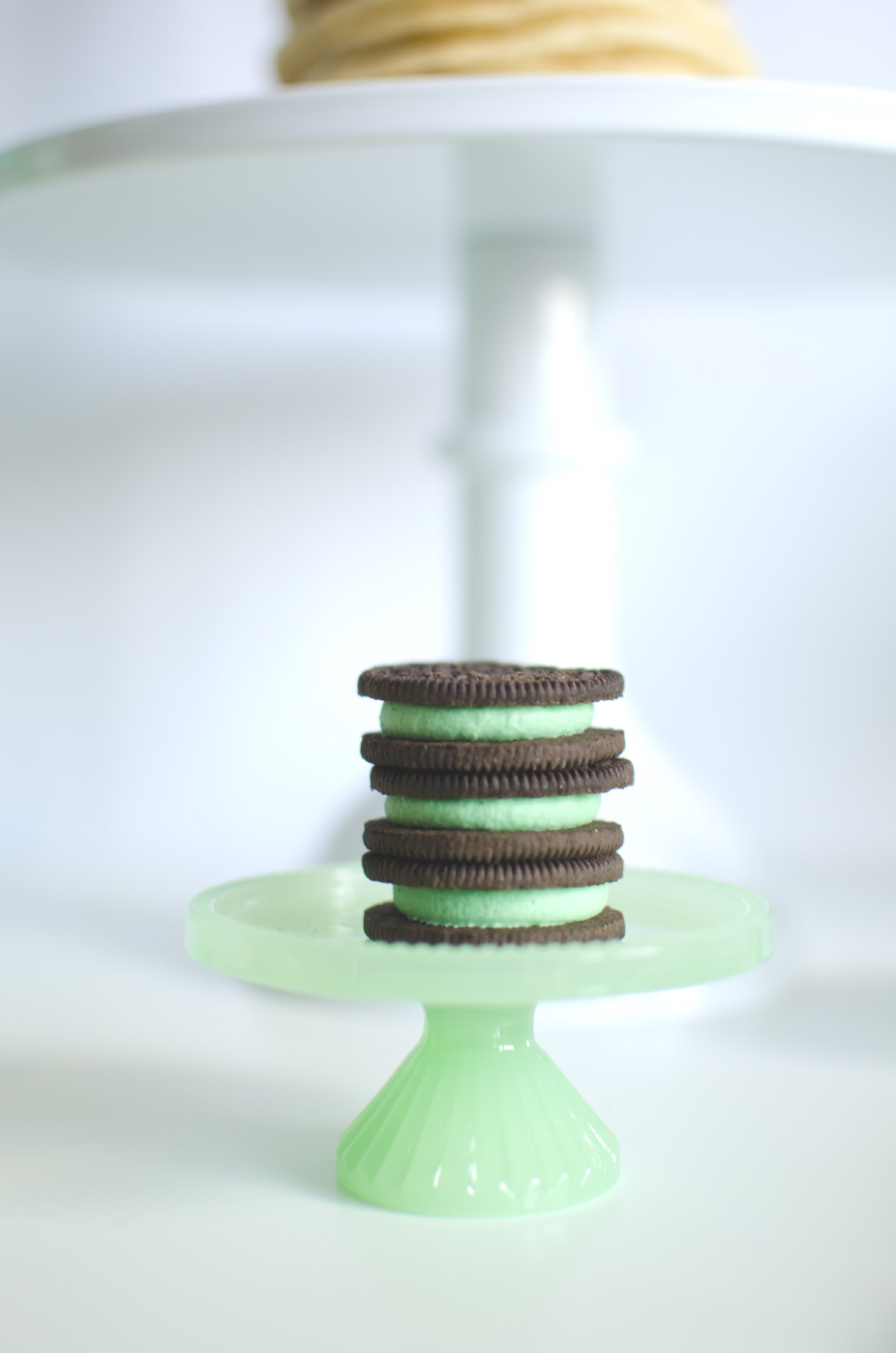 Oreos with green cream pair up perfectly for this St. Patrick's Day Breakfast Party from Mint Event Design www.minteventdesign.com #partyideas #partydecorations #saintpatricksday #stpatricksday #cookies