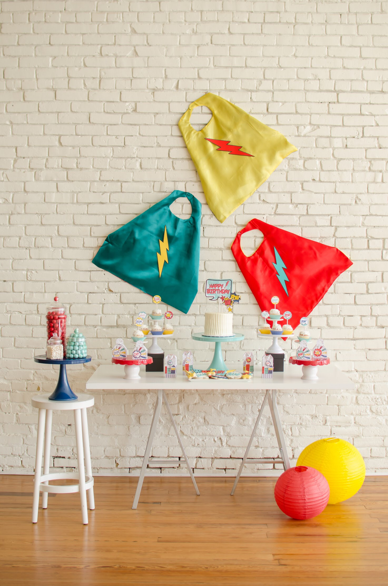 Be the hero of your next party! Free Superhero Printables from Mint Event Design + Party Ideas