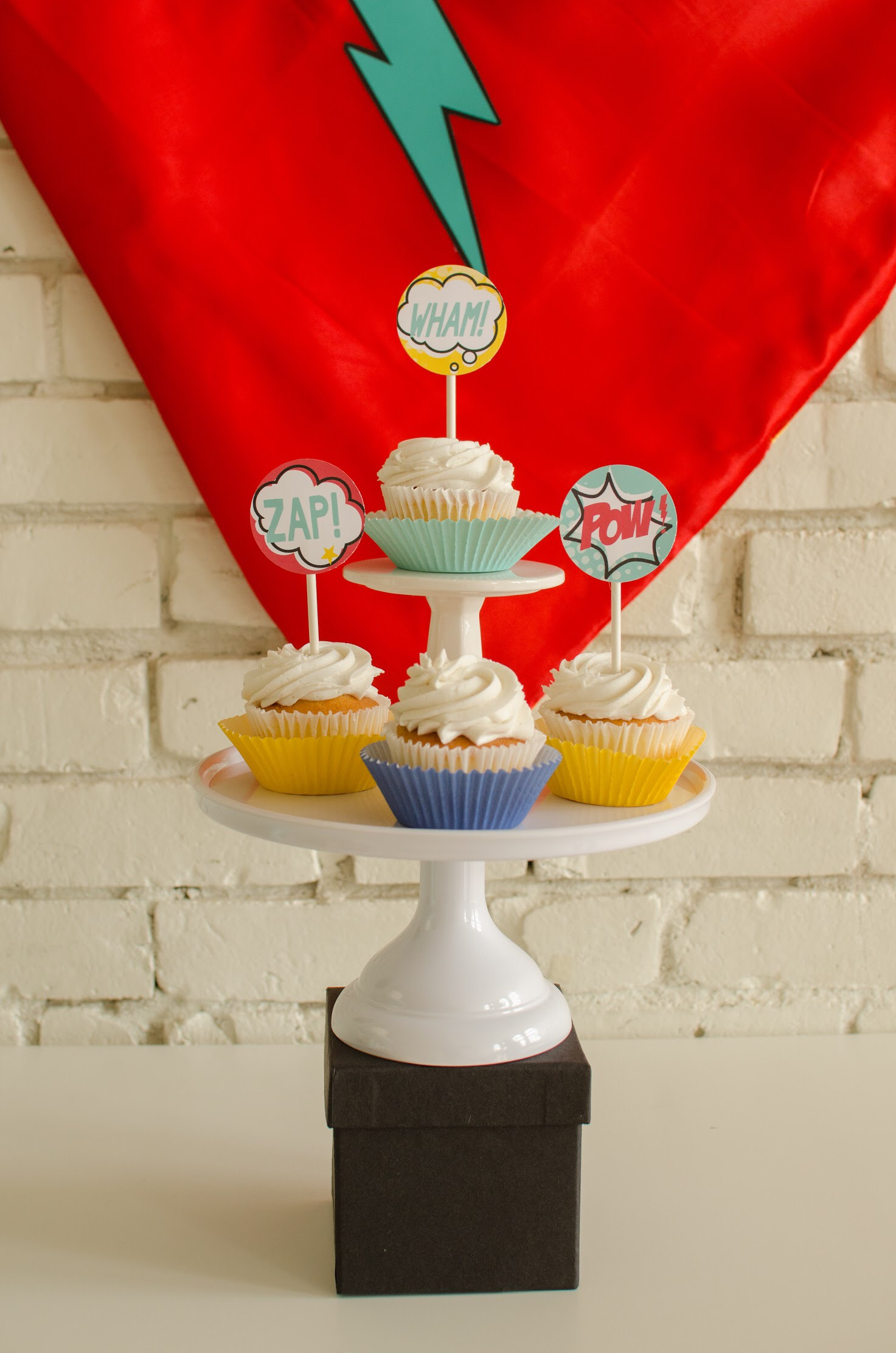 Cute Superhero Cupcake Toppers free from Mint Event Design