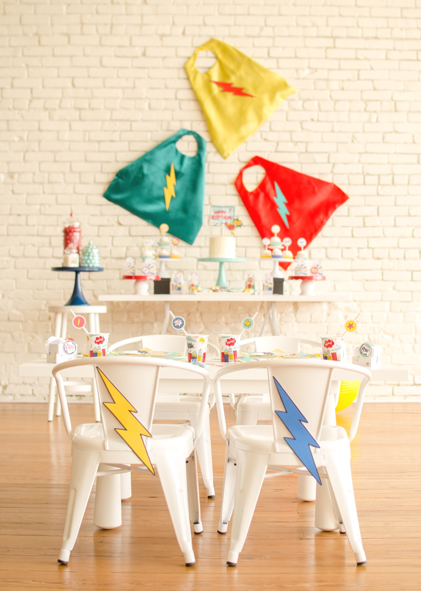 LOVE this superhero birthday party from Mint Event Design