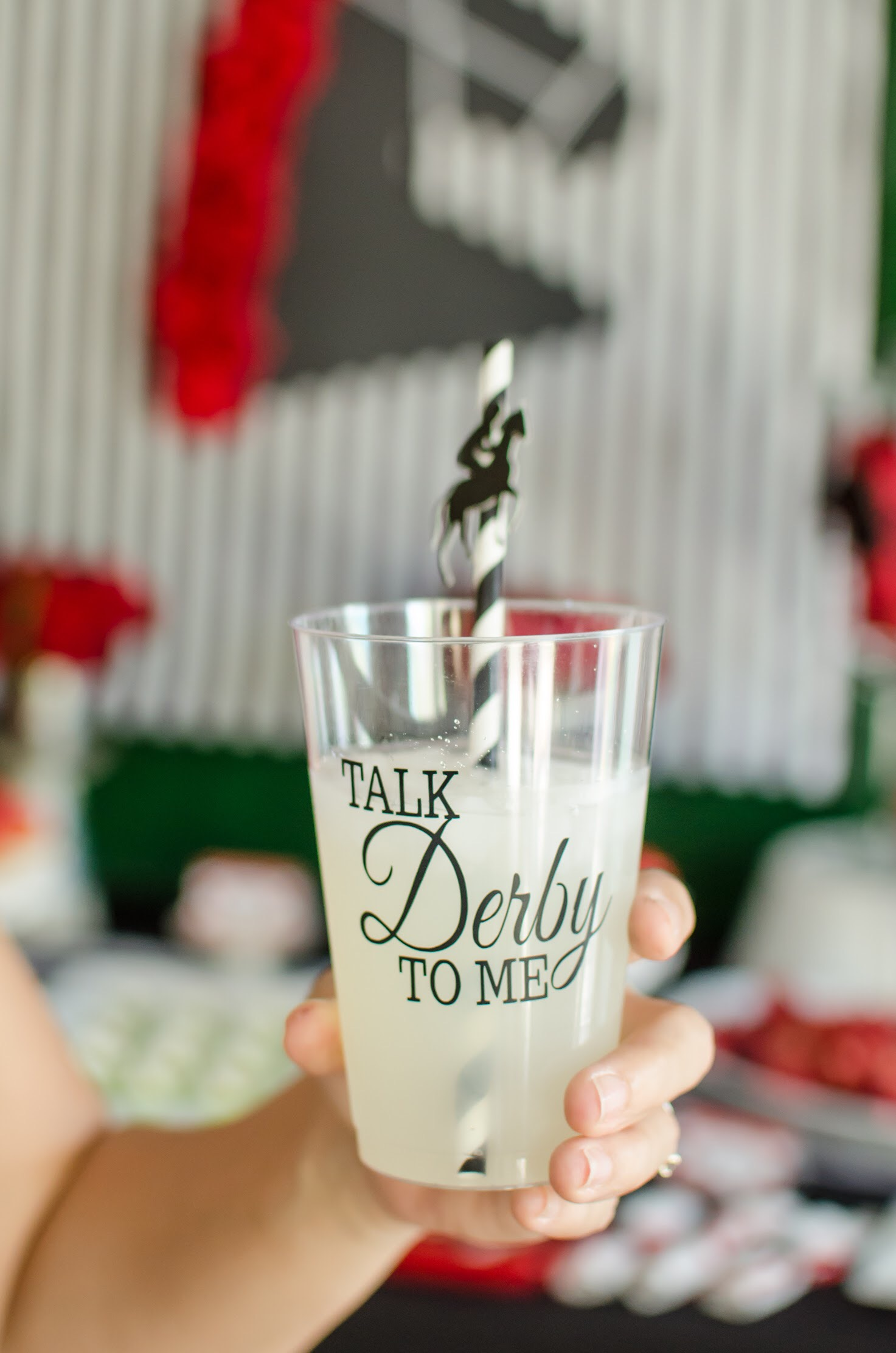 Talk Derby to Me with these creative drink cups for a Kentucky Derby Party. See lots more party ideas on Mint Event Design www.minteventdesign.com #kentuckyderbyparty #kentuckyderby #partyideas #derbyday #runfortheroses #partydrink